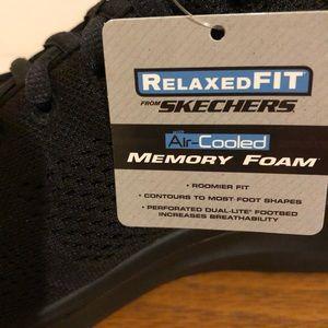 NEW SKECHERS Quantum Flex Rood Men's, Black, Sz 9 NWT